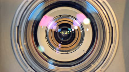 makro fotografie : A macro view of a working camera lens.