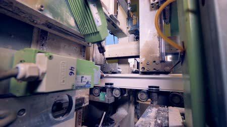 tokarka : Plastic processing milling machine. Wideo