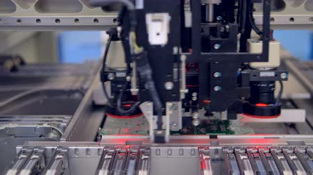 vizyon : Electronics contract manufacturing. PCB circuit chip production process. 4K.