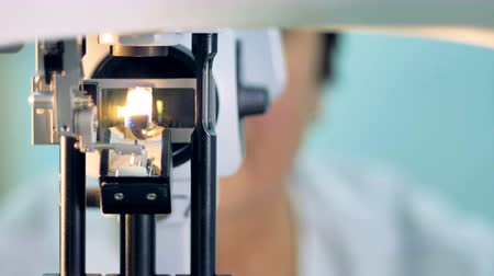 glaucoma : A front view on an optical slit lamp from the patients side.