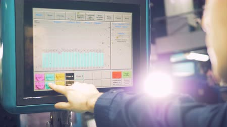 algılayıcı : Workers hand working with computer touchscreen at industrial factory. Stok Video