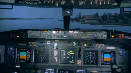 finder : Moving through a simulated landscape inside a flight cabin