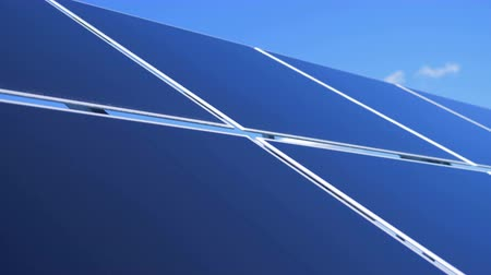 energetyka : Solar Panel Farm. Close up of outdoors solar modules composing an array Wideo