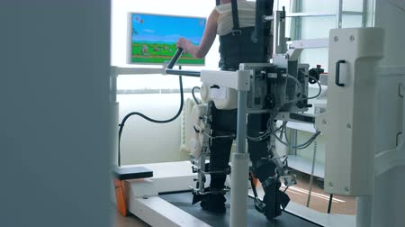 equipped : Virtual reality simulator for patient rehab. Stock Footage