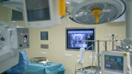 intensive care unit : Functioning medical equipment in an operating room