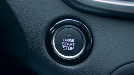 стартер : Engines start button is getting pushed by a driver