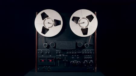 cassette : Reel-to-reel recorder during work Stock Footage