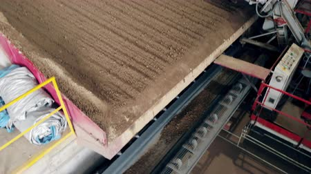 macchine movimento terra : Working conveyor transports stones with dirt.