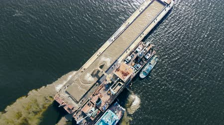 pedreira : One barge working on water, extracting sand. Industrial extraction of sand on a river. Stock Footage
