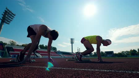 paralympic : Athletes with artificial legs start running