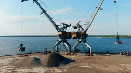 mine de charbon : Cargo port with two loaders working in it