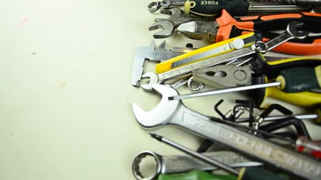 İngiliz anahtarı : Tools. A lot of tools on the table. Tools for home repair Stok Video