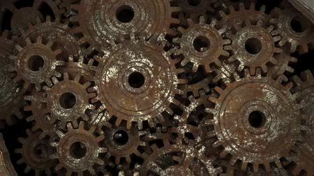 The brain comes up with a new idea. Idea is the key to success. Rusty gears spinning. Stok Video