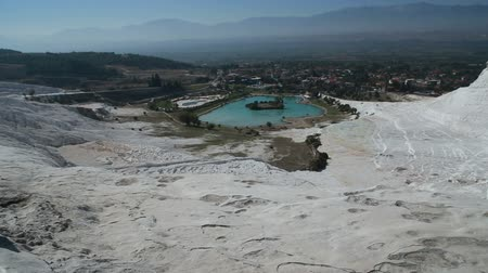 molas : Panoramic view of travertine terraces at Pamukkale