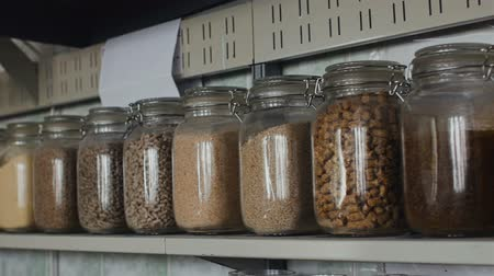 taneli : Rape oil, grains of wheat, barley, oat, rye, mixed feed in granular form in jars