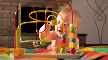 érdekes : Toys and games for special needs. Baby development. Early start. Developing toys for babies. Play activity for toddler, preschoolers. Developing fine motor skills background. Fine motor challenge