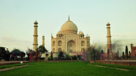 sedm : Timelapse of tourist activity inside Taj Mahal in Agra, India. 4k footage video.