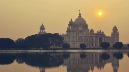kolkata : Victoria Memorial in the evening, Kolkata, India time lapse. 4k footage video. Stock Footage