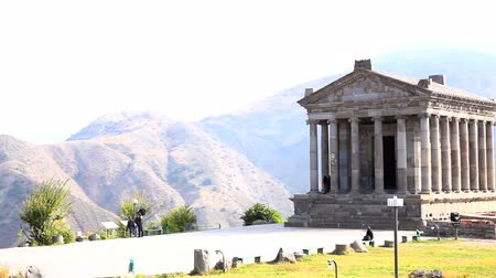 chrámy : Temple of Garni, the first century hellenic temple in Armenia