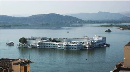 pichola : Lake Palace in Udaipur