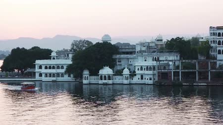 pichola : Passenger boat in Lake Pichola, Udaipur, Rajasthan, India Stock Footage