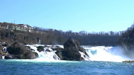 укрепленный : View of Rhine Falls in the Rhine River at Shaffhausen Switzerland