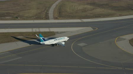 west wing : Wescam YYZ West Jet Boeing 737-Aerial Taxi Follow Push