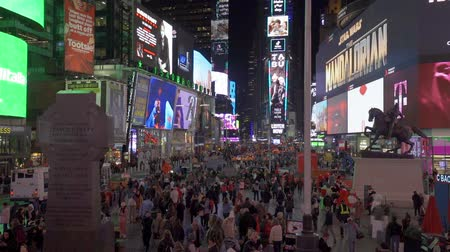 marca : Night view of Times Square in slow motion, NYC Stock Footage