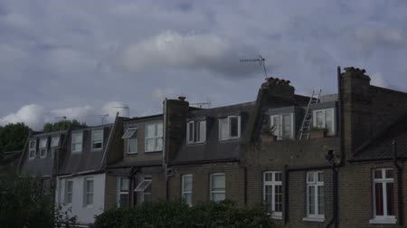 английский парк : Sun shines and houses in London