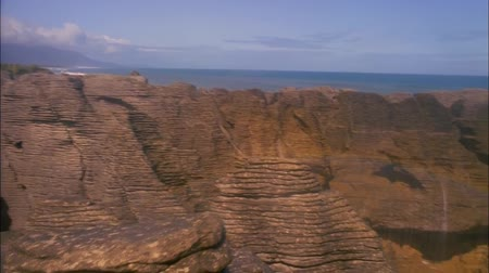 Penkeyk Rocks ( Rock or  Pancake ) - Unusual Rocky Formations on the Coast of New Zealand. Dostupné videozáznamy