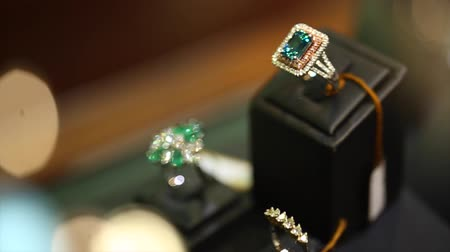 biżuteria : diamond ring store shifting focus Wideo