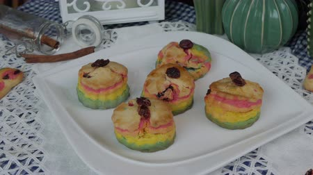 bolinho : Fresh baked homemade Rainbow Scones cake set on table.