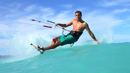 fitnes : Young Fit Man Kite Surfing, Extreme Summer Sport HD
