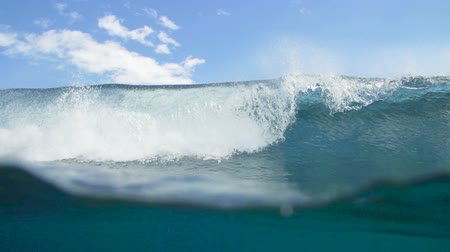 Empty Blue Tropical Ocean Wave Crashing Wideo