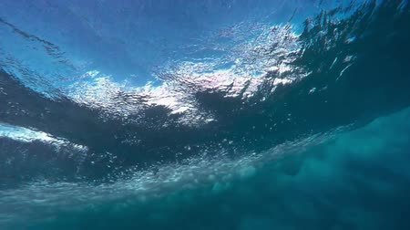 Underwater Angle of Tropical Blue Ocean Wave Crashing Wideo
