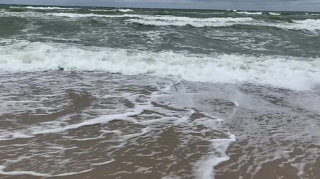 marítimo : Moving surface and waves of cold baltic sea in stormy weather