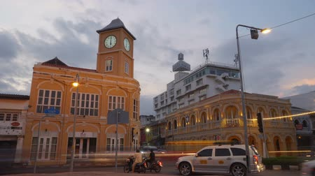 центральный : Phuket,Thailand-October,30,2018:the architectural style in Phuket city was built in Chino portuguese style. Стоковые видеозаписи
