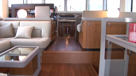 żaglówka : Living room of luxury yacht, with view of the cockpit. Camera movement made with jib crane