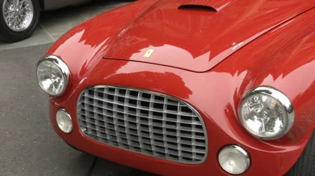 葡萄收获期 : Old vintage Ferrari at the Concorso dEleganza at Villa dEste, Cernobbio, Italy