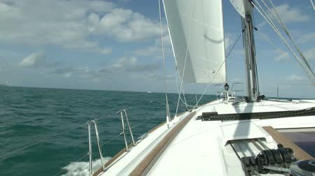 oceano : On board view of sailing boat navigating in open sea