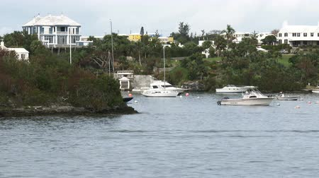 bermudas : View from the hills behind Hamilton, Bermuda, and docked boats