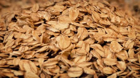 kahvaltı : Oats Poured Into Pile Stok Video