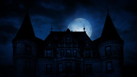 гот : Large Moon Rises Behind Scary Mansion