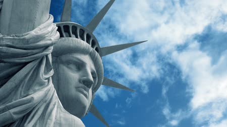 четверть : Statue Of Liberty With Passing Sky