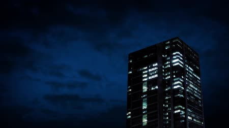 bloklar : Office Building At Night Stok Video