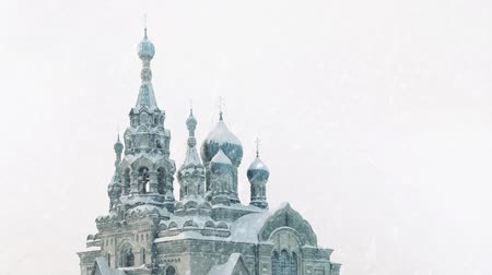 moskwa : Russian Church With Snow Falling