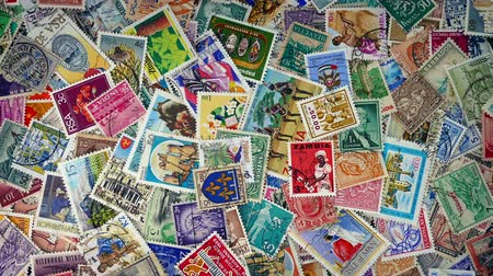 bélyeggyűjtés : Pile Of Stamps From Around The World