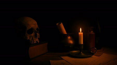 titular : Candle Lights Desk - Historical Setting