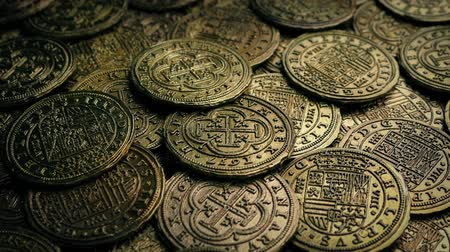 değerli : Many Old Coins Moving Shot Stok Video