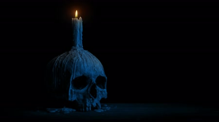 гот : Old Skull With Candle At Night